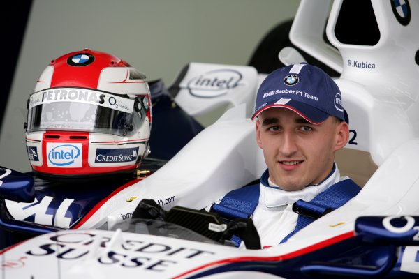 2006 Hungarian Grand Prix - Thursday PreviewHungaroring, Budapest, Hungary. 3rd - 6th August.Robert Kubica, BMW Sauber F1 06 in cockpit. Portrait.World Copyright: Charles Coates/LAT Photographicref: Digital Image ZK5Y2769