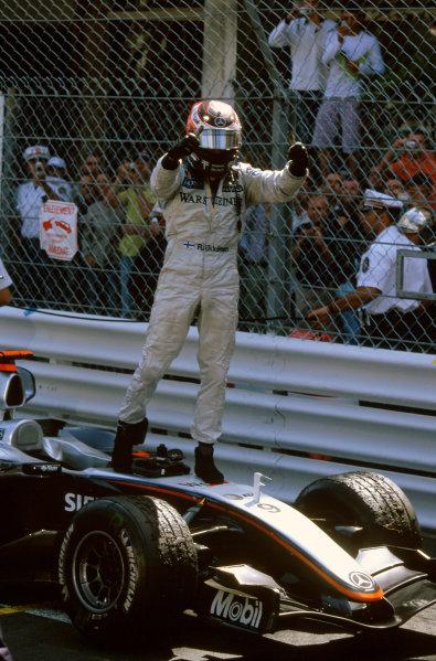 2005 Monaco Grand PrixMonte Carlo, Monaco. 19th - 22nd May Kimi Raikkonen, McLaren Mercedes MP4-20 celebrates winning the Monaco grand prix World Copyright: Steven Tee/LAT Photographi--c ref: 35mm Image 05Monaco01