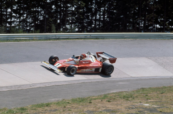 German Grand Prix Nurburgring, Germany. 30/7 - 1/8 1976. RD10. Niki Lauda prior to near fatal accident. Action.  World Copyright: LAT Photographic. Ref: 76 GER 10