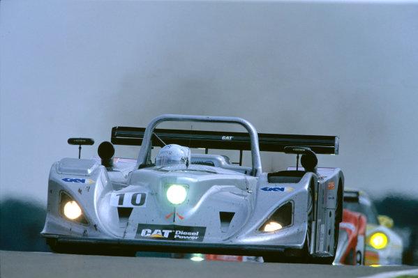 2004 Le Mans Endurance SeriesSilverstone 1000 KilometersSilverstone, England. 12th - 14th August 2004Andrews/Lockie/Jones (Lola-Caterpillar). Action.World Copyright: Glenn Dunbar/LAT Photographicref: 35mm Transparency A14