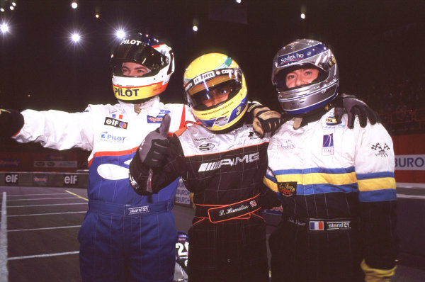 2000 Elf Masters Karting Bercy Paris, France. 10th December 2000. Lewis Hamilton, 1st position, gives the thumbs up. World Copyright: Chris Dixon/LAT Photographic