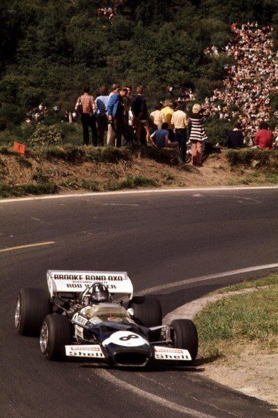 1970 French Grand Prix.Clermont-Ferrand, France.3-5 July 1970.Graham Hill (Lotus 49C Ford) 10th position.Ref-70 FRA 32.World Copyright - LAT Photographic