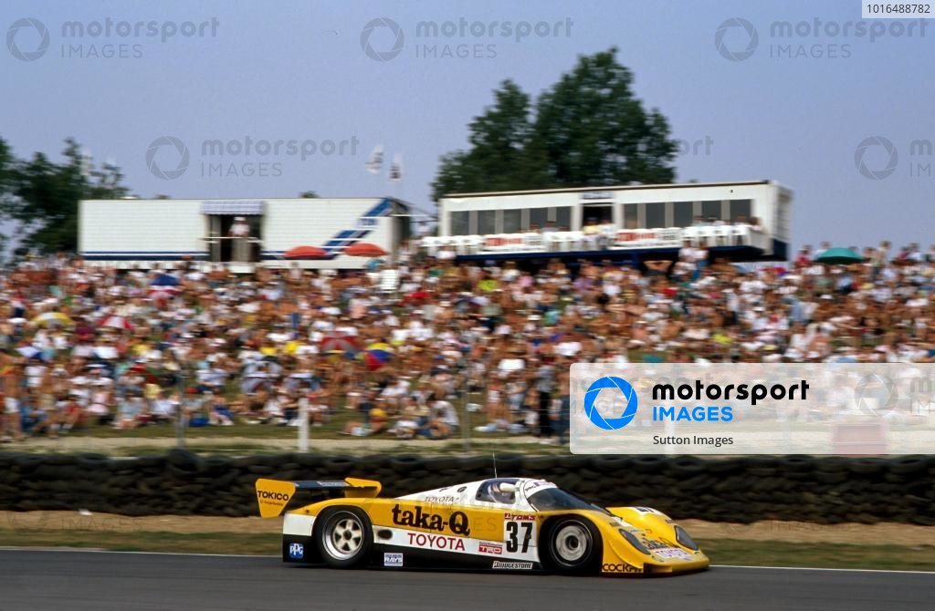 Johnny Dumfries (GBR) TOM'S Toyota 90 CV retired with accident damage.Le Mans 24 Hours, Le Mans, France, 16-17 June 1990.BEST IMAGE