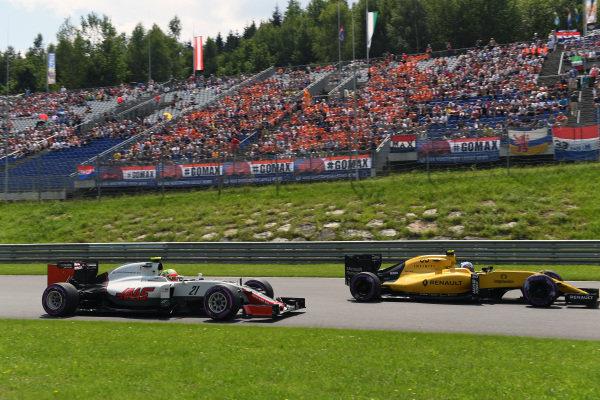 Esteban Gutierrez (MEX) Haas VF-16 at Formula One World Championship, Rd9, Austrian Grand Prix, Qualifying, Spielberg, Austria, Saturday 2 July 2016.