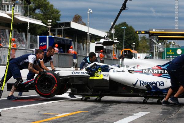 Lance Stroll, Williams FW41 Mercedes, return to the garage.