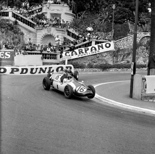 1960 Monaco Grand Prix.Monte Carlo, Monaco.26-29 May 1960.Chris Bristow (Cooper T51 Climax) lifting a wheel in the Station Hairpin.Ref-6484.World Copyright - LAT Photographic