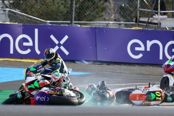 Crash Niccolo Canepa, LCR E-Team, Xavier Simeon, LCR E-Team, Dominique Aegerter, Dynavolt Intact GP.