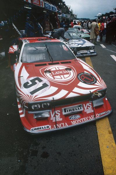 1980 Le Mans 24 Hours. Le Mans, France. 14th - 15th June 1980. Hans Heyer / Bernard Darniche / Teo Fabi (Lancia Beta Montecarlo Turbo), retired, pit lane action.  World Copyright: LAT Photographic. Ref: 80LM21.