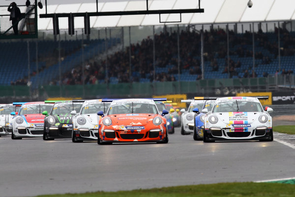 2017 Porsche Carrera Cup, Silverstone, Northants, UK. 16th-17th September 2017 Start of the race, Dan Cammish (GBR) Redline Racing Porsche Carrera Cup leads World copyright. JEP/LAT Images