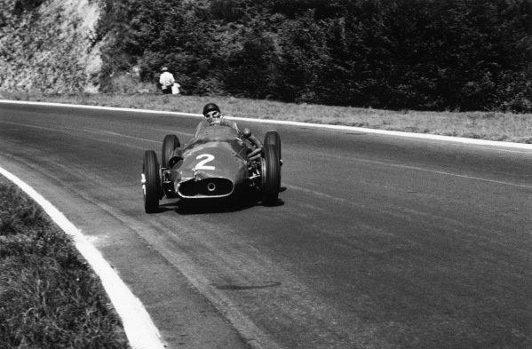 Rouen-les-Essarts, France. 5th - 7th July 1957. Juan Manuel Fangio (Maserati 250F), 1st position, action World Copyright: Michael Tee/LAT Photographic Ref: 467 - 12.