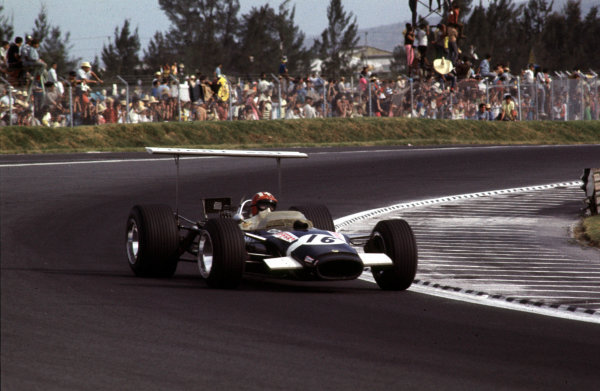 1968 Mexican Grand Prix.Mexico City, Mexico.1-3 November 1968.Jo Siffert (Lotus 49B Ford) 6th position.Ref-68 MEX 15.World Copyright - LAT Photographic