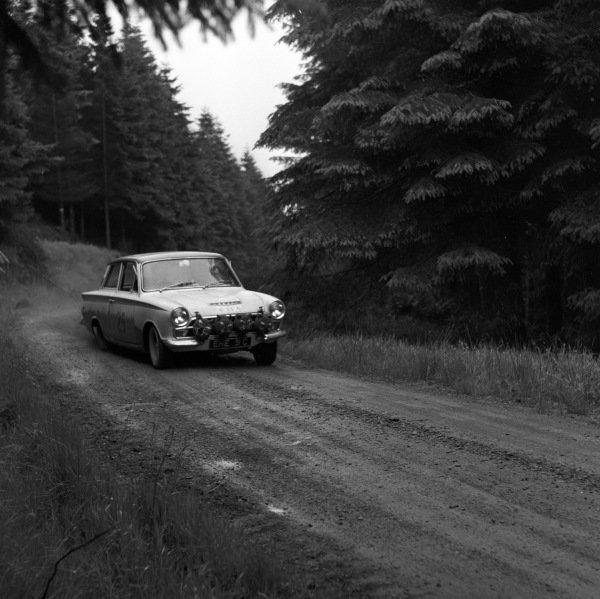 Lotus Ford Cortina.