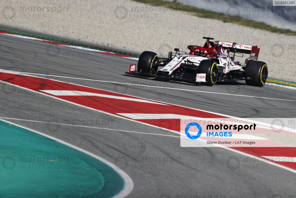 Kimi Raikkonen, Alfa Romeo Racing C39, sa točí