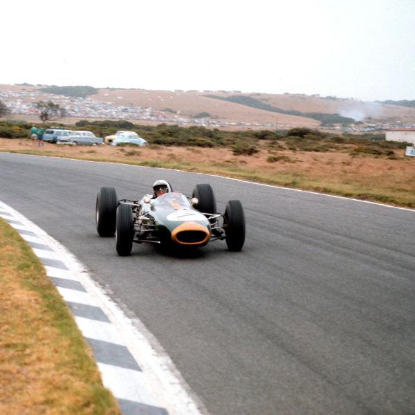 East London, South Africa.30/12/64-1/1/1965.Jack Brabham (Brabham BT11 Climax) 8th position.Ref-3/1491.World Copyright - LAT Photographic