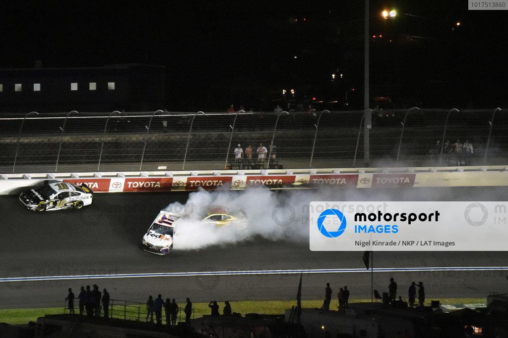#11: Denny Hamlin, Joe Gibbs Racing, Toyota Camry FedEx Express spins