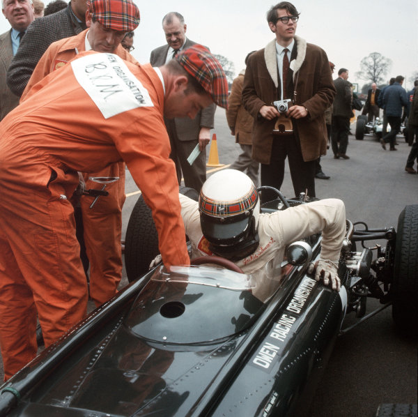 Jackie Stewart (BRM).Ref-3/2746.World Copyright - LAT Photographic