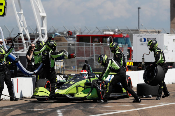 2018 Verizon IndyCar Series - Firestone Grand Prix of St. Petersburg St. Petersburg, FL USA Sunday 11 March 2018 Charlie Kimball, Carlin Chevrolet, pit stop World Copyright: Michael L. Levitt LAT Images ref: Digital Image _01I3557