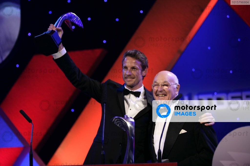 2009 Autosport AwardsGrosvenor House Hotel, Park Lane, London 6th December 2009 Murray Walker on stage to present Jenson Button with the International Driver of the Year Award.World Copyright: Drew Gibson/LAT Photographic