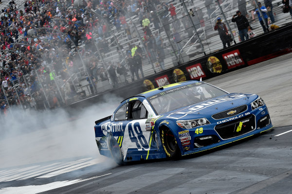 Monster Energy NASCAR Cup Series Food City 500 Bristol Motor Speedway, Bristol, TN USA Jimmie Johnson wins the Food City 500 World Copyright: Rusty Jarrett LAT Images ref: Digital Image 17BMS1rj_8667
