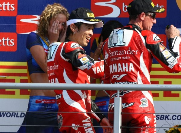 2007 World Superbike Championship. Brands Hatch, England. 3rd - 5th August 2007. Noriyuki Haga and Troy Corser, both Yamaha YZF R1, celebrate 2nd and 3rd positions in race two on the podium. World Copyright: Kevin Wood/LAT Photographic ref: Digital Image