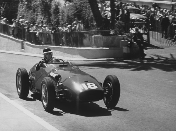 Monte Carlo, Monaco. 19th - 22nd May 1955. Mike Hawthorn (Vanwall VW1), retired, action. World Copyright: LAT Photographic.Ref:  B/W Print.