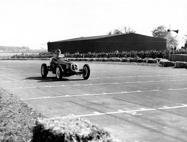 1950 British Grand Prix.Silverstone, Great Britain. 13th May 1950.Bob Gerard (ERA B-type), 6th position.World Copyright: LAT Photographicref: B&W Print