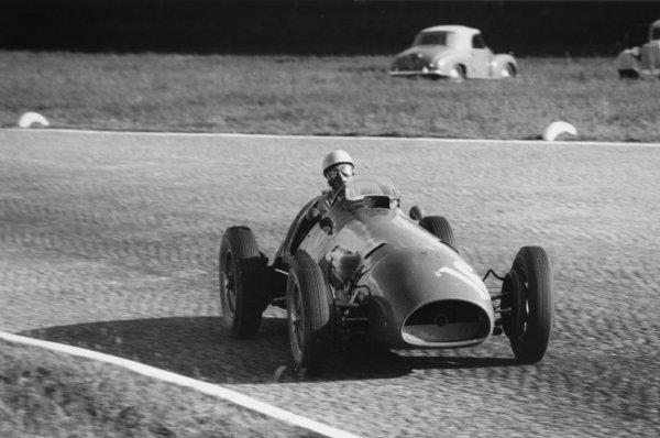 1952 Italian Grand Prix.Monza, Italy. 7 September 1952.Luigi Villoresi (Ferrari 500), 3rd position. Ref-52/48 #22.World Copyright - LAT Photographic