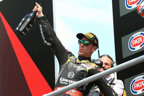 Podium: race winner Jonathan Rea, Kawasaki Racing.