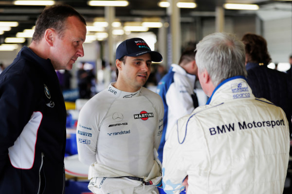 Williams 40 Event Silverstone, Northants, UK Friday 2 June 2017. Felipe Massa, Williams Martini Racing, talks to Steve Soper. World Copyright: Zak Mauger/LAT Images ref: Digital Image _54I0398