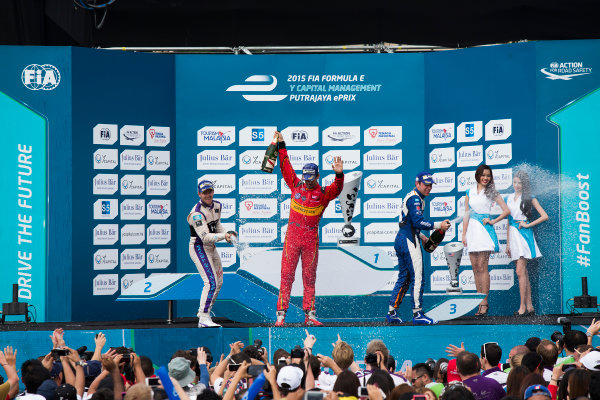 2015/2016 FIA Formula E Championship. Putrajaya ePrix, Putrajaya, Malaysia. Saturday 7 November 2015. Podium Lucas Di Grassi (BRA), ABT Audi Sport FE01, Sam Bird (GBR), DS Virgin Racing DSV-01 & Robin Frijns (NLD), Andretti - Spark SRT_01E on the podium Photo: Sam Bloxham/FIA Formula E/LAT ref: Digital Image _SBL1348