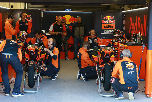 2017 Moto3 Championship - Round 12 Silverstone, Northamptonshire, UK. Friday 25 August 2017 Niccolo Antonelli, Red Bull KTM Ajo, Bo Bendsneyder, Red Bull KTM Ajo World Copyright: Gold and Goose / LAT Images ref: Digital Image 688453