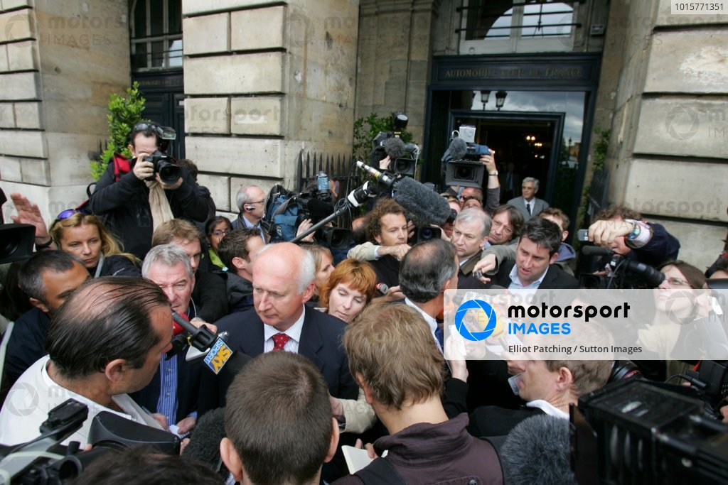 The media scrum. Max Mosley Vote of Confidence, FIA Headquarters, Place de la Concorde, Paris, Tuesday 3 June 2008.