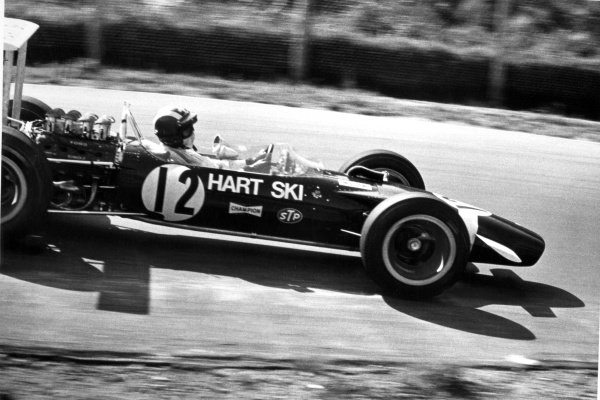1968 Canadian Grand Prix.St Jovite, Canada. 22 September 1968.Jo Siffert, Lotus 49B-Ford, retired, action.World Copyright: LAT PhotographicRef: Motor b&w print
