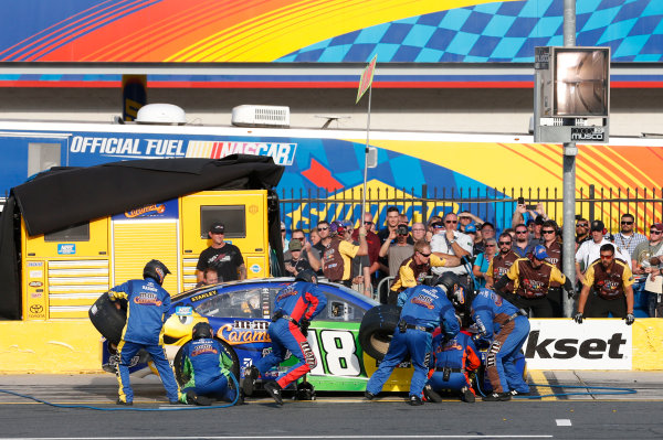 Monster Energy NASCAR Cup Series Monster Energy NASCAR All-Star Race Charlotte Motor Speedway, Concord, NC USA Friday 19 May 2017 Kyle Busch, Joe Gibbs Racing, M&M's Caramel Toyota Camry World Copyright: Matthew T. Thacker LAT Images ref: Digital Image 17CLT1mt1383