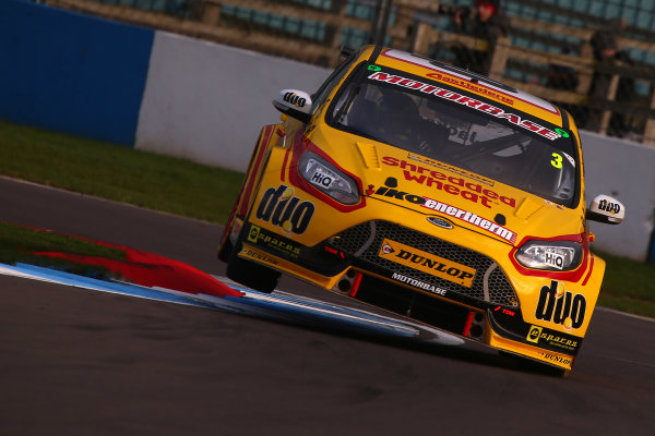 2017 British Touring Car Championship, Donington Park, England. 16th March 2017, Mat Jackson (GBR) Team Shredded Wheat Racing with Duo Ford Focus World copyright. JEP/LAT Images