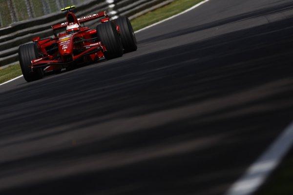 2007 Italian Grand Prix - Friday PracticeAutodromo di Monza, Monza, Italy.7th September 2007.Kimi Raikkonen, Ferrari F2007. Action. World Copyright: Lorenzo Bellanca/LAT Photographicref: Digital Image _64I5050
