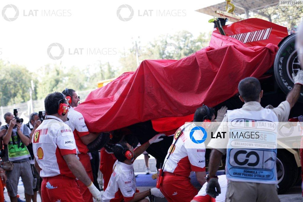 2007 Italian Grand Prix - Saturday QualifyingAutodromo di Monza, Monza, Italy.8th September 2007.Kimi Raikkonen's destroyed Ferrari F2007 is returned to the pits.World Copyright: Steven Tee/LAT Photographicref: Digital Image YY2Z8458