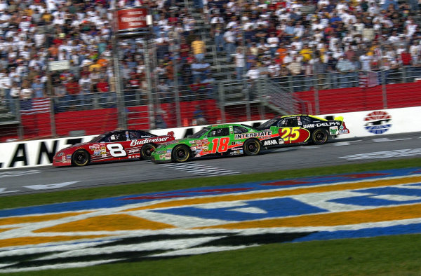 Dale Earnhardt,Jr. (8), Bobby Labonte (18) and Jerry Nadeau (25) fight for the lead late in the race.