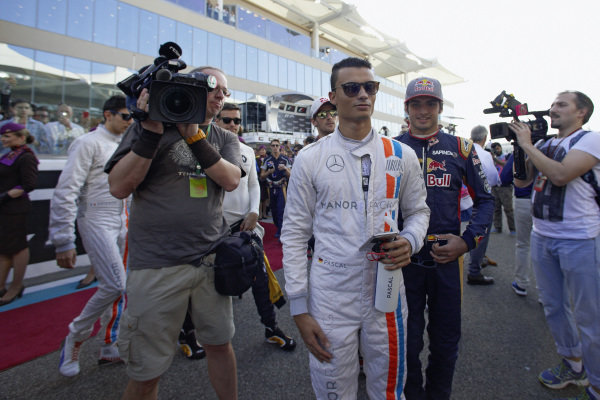 Pascal Wehrlein, Manor and Carlos Sainz Jr, Toro Rosso.