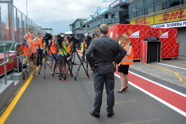 Andrew Westacott (AUS) Australian GP CEO and media in pit lane at Formula One World Championship, Rd1, Australian Grand Prix, Preparations, Albert Park, Melbourne, Australia, Monday 20 March 2017.