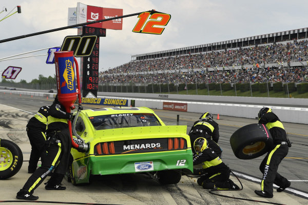 #12: Ryan Blaney, Team Penske, Ford Mustang Menards/Libman