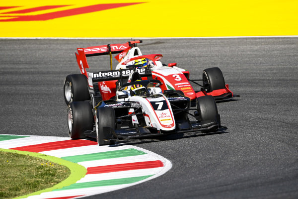 Theo Pourchaire (FRA, ART GRAND PRIX) and Logan Sargeant (USA, PREMA RACING)