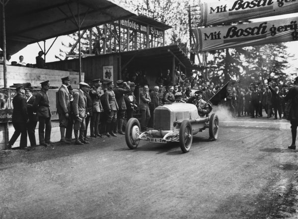 1925 Solitude Race Meeting. Solitude, Germany. May 1925. Christian Werner (Mercedes), action.  World Copyright: LAT Photographic.  Ref:  Autocar Glass Plate A4711.
