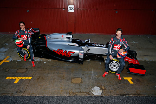 Circuit de Catalunya, Barcelona, Spain Monday 22 February 2016. Romain Grosjean, Haas F1, and Esteban Gutierrez, Haas F1, unveil the Haas VF-16 Ferrari. World Copyright: Sam Bloxham/LAT Photographic ref: Digital Image _SBL3820