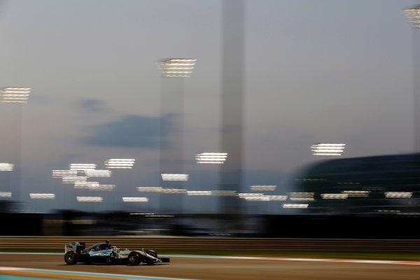 Yas Marina Circuit, Abu Dhabi, United Arab Emirates. Friday 27 November 2015. Lewis Hamilton, Mercedes F1 W06 Hybrid. World Copyright: Charles Coates/LAT Photographic ref: Digital Image _99O7362