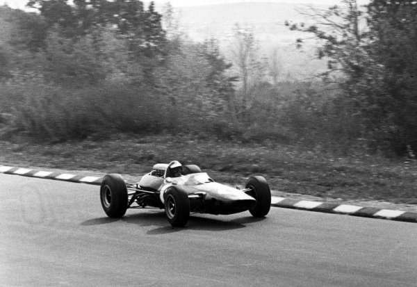 1965 United States Grand Prix.Watkins Glen, New York, USA. 1st-3rd October 1965.Mike Spence, Lotus 33, retired, action.World Copyright - LAT Photographic.Ref-B/W Print