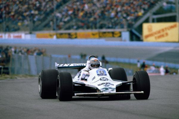 Watkins Glen, USA. 3-5 October 1980.Alan Jones (Williams FW07B-Ford Cosworth), 1st position, action.World Copyright: LAT PhotographicRef: 35mm transparency 80USA01