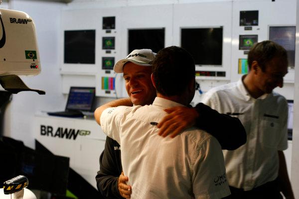 Interlagos, Sao Paulo, Brazil.17th October 2009.Rubens Barrichello, Brawn GP BGP001 Mercedes, in the Brawn GP garage. Portrait. World Copyright: Charles Coates/LAT Photographicref: Digital Image _26Y2514