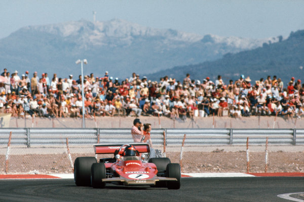 1971 French Grand Prix.  Paul Ricard, Le Castellet, France. 2nd-4th July 1971.  Emerson Fittipaldi, Lotus 72D Ford, 3rd position, corrects a slide.  Ref: 71FRA09. World Copyright: LAT Photographic