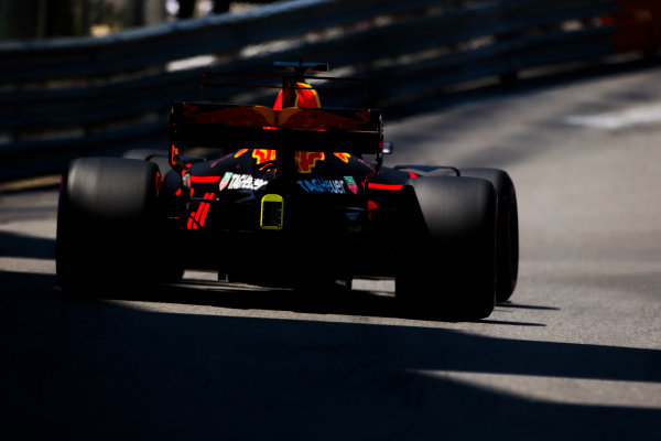 Monte Carlo, Monaco. Saturday 27 May 2017. Daniel Ricciardo, Red Bull Racing RB13 TAG Heuer. World Copyright: Charles Coates/LAT Images ref: Digital Image AN7T7351